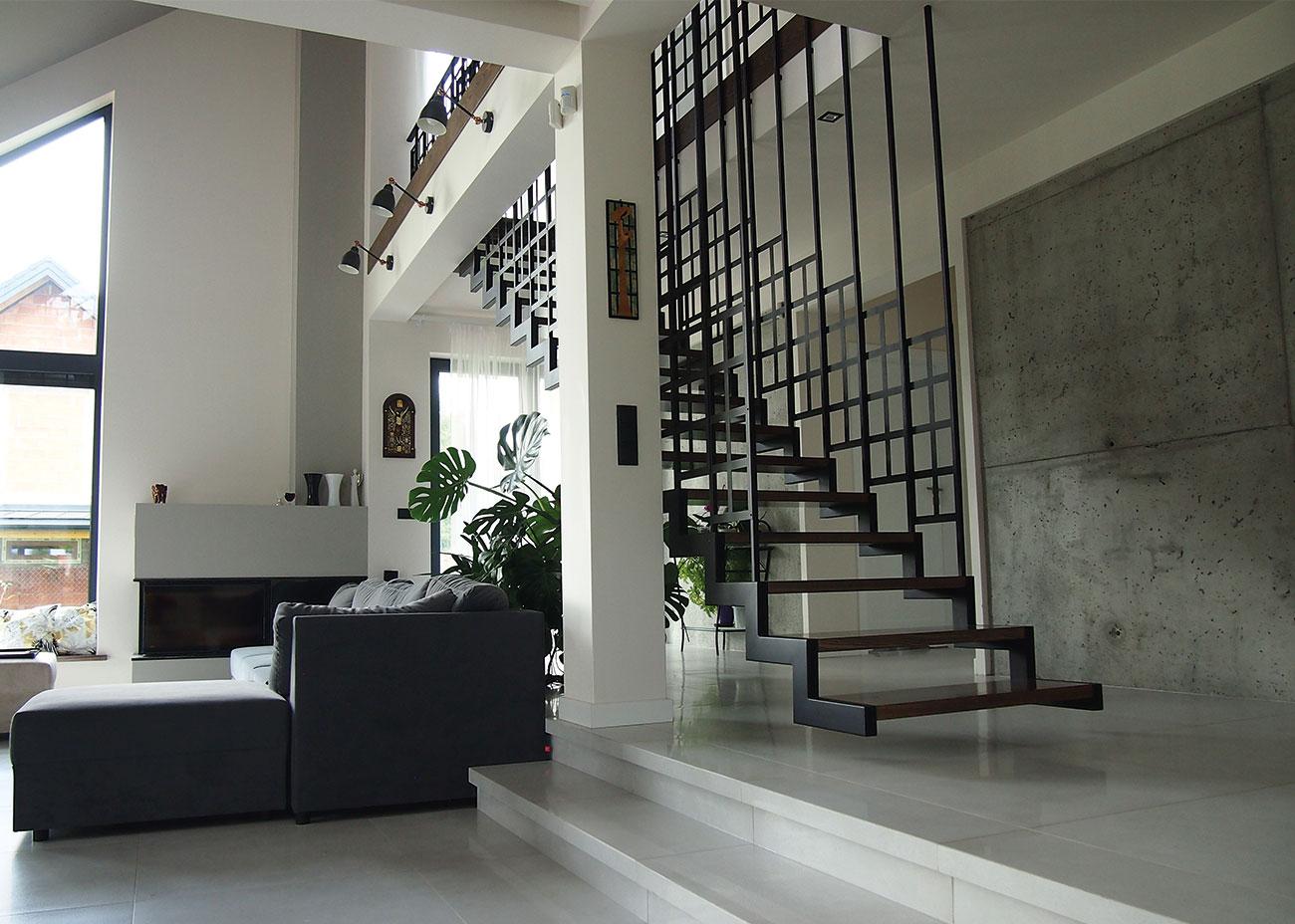 Widok z przodu na schody